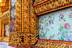 The details are so amazing. I thought this mix of the floral and textile work was beautiful.